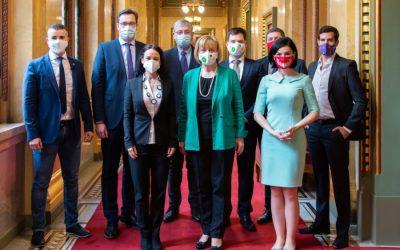 Előválasztási etikai kódexet fogadtak el az ellenzéki pártok